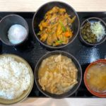 本庄市小島にオープンした「もつ次郎本庄小島店」の『合い盛りもつ定食』【さいつうグルメ】