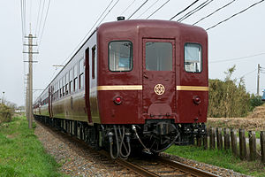 300px-Chichibu_Railway_Passenger_Car_for_Paleo_Express_2012